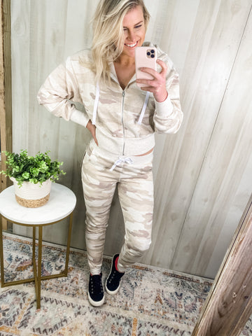 BEIGE CAMO LOUNGE SET