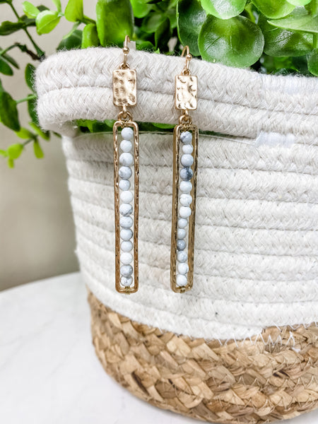 WHITE STONE EARRINGS