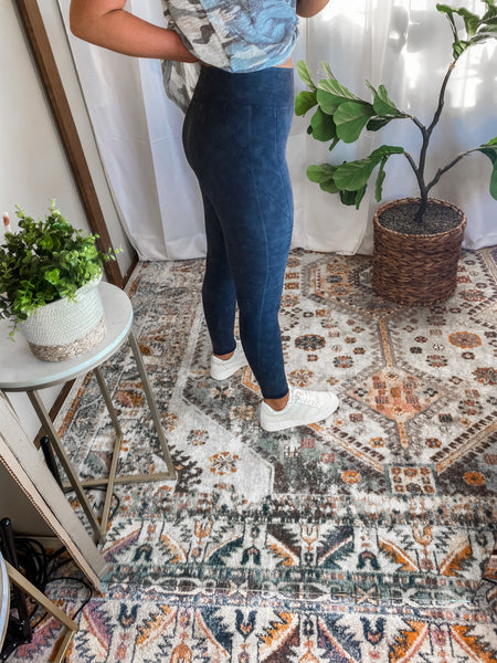 BE A BABE LEGGINGS