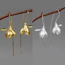 Load image into Gallery viewer, Simulation Magnolia Earrings
