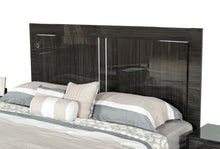 Load image into Gallery viewer, Modrest Ari Italian Modern Grey Bed