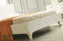 Load image into Gallery viewer, Modrest Monte Carlo - White Leatherette Modern Twin Bed with Crystals