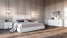 Load image into Gallery viewer, Modrest Nicla Italian Modern White Bedroom Set
