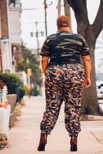 Load image into Gallery viewer, SWISH CAMO JOGGER PANT