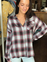 Load image into Gallery viewer, GRAM PLAID TOP-WHITE CROW