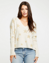 Load image into Gallery viewer, Star Intarsia V-Neck-CHASER