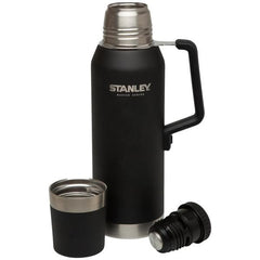 STANLEY | MASTER Vacuum Bottle 1.3L - Black opened