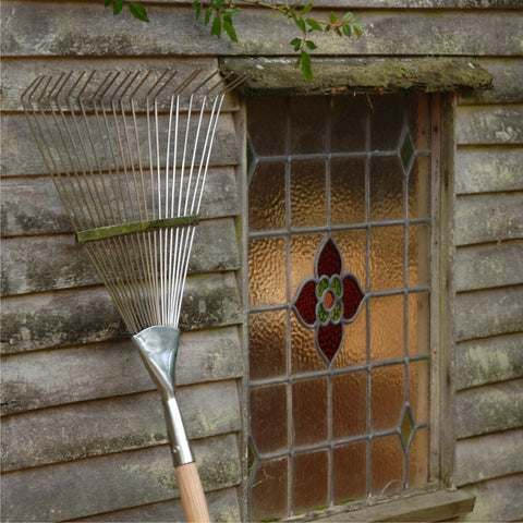 BURGON & BALL  |  Flexi-Tined Lawn Rake - RHS Endorsed