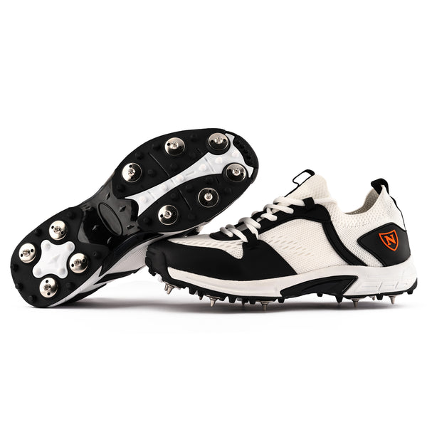 2021 Shoe Spikes // White and Black (Junior)