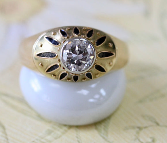 VINTAGE ~ Gold ring with Diamond Center