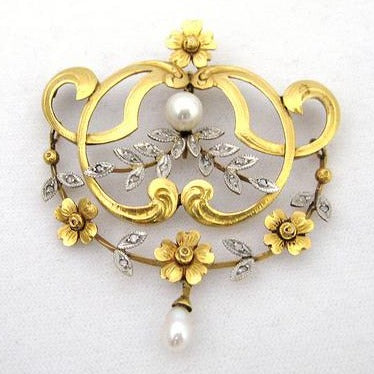Edwardian Pendant with Pearls and Diamonds