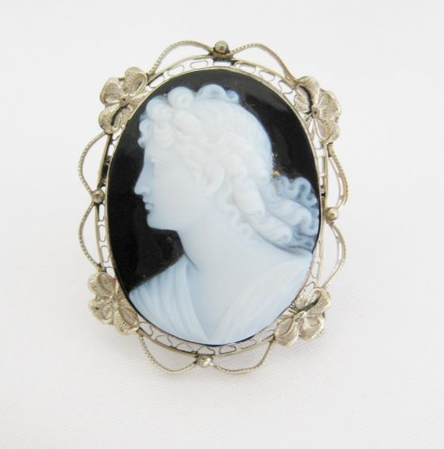 Vintage Black and White Stone Cameo Pin with Filigree Setting
