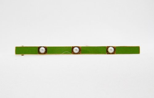 Green Enamel 3 Pearl Bar Pin