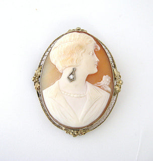 c.1920s Shell Cameo Pin with Flapper Woman