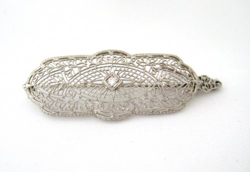 Filigree and Diamond Pin / Pendant