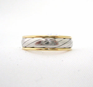 Men's Ring with Slanted Design