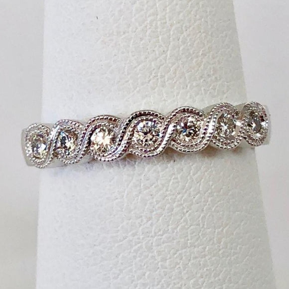 Scallop Edge Diamond Band