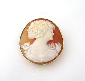 Round Shell Cameo Pin