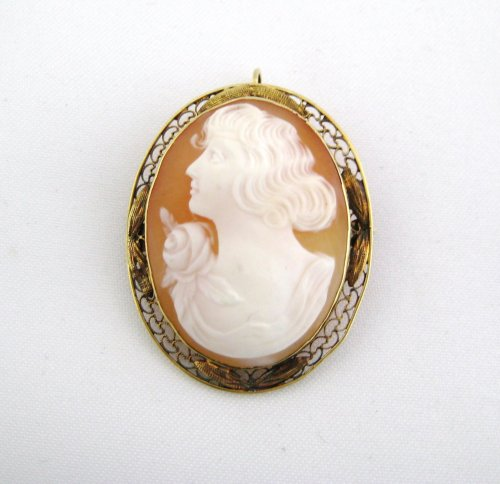 Shell Cameo Pin