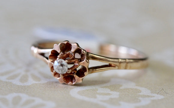 VICTORIAN ~ Diamond Ring with heart design