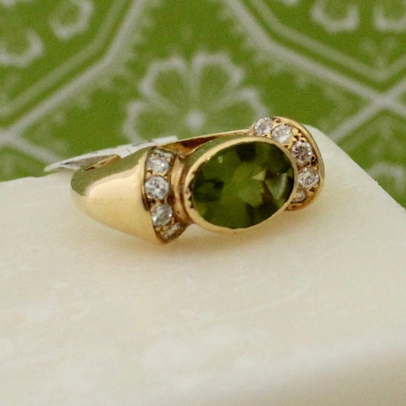 Pretty Cabochon Peridot & Diamond Ring
