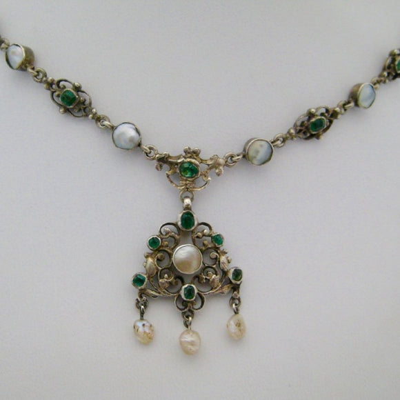 Emerald and Pearl Silver Necklace