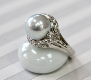 Pretty ~ Pearl & Diamond Ring