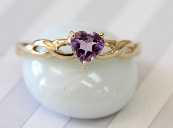 Lovable ~ Heart Motif Amethyst Ring