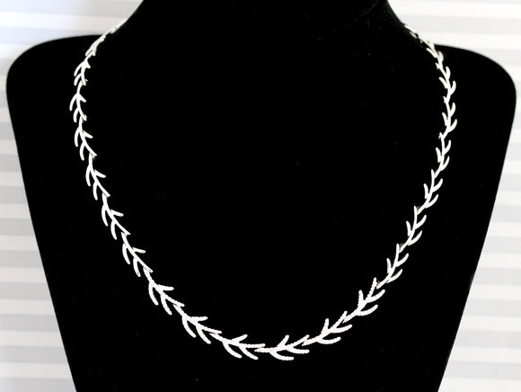Captivating ~ Diamond twig motif necklace