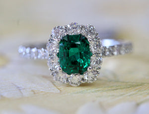Emerald & Diamond Platinum Ring ~ STUNNING
