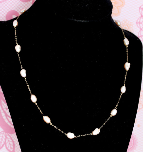 Pretty ~ Fresh Water Pearl Necklace