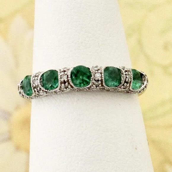 Stylish Emerald & Diamond Accent Ring