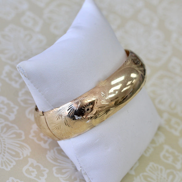 Beautiful Wide Bangle with etched design
