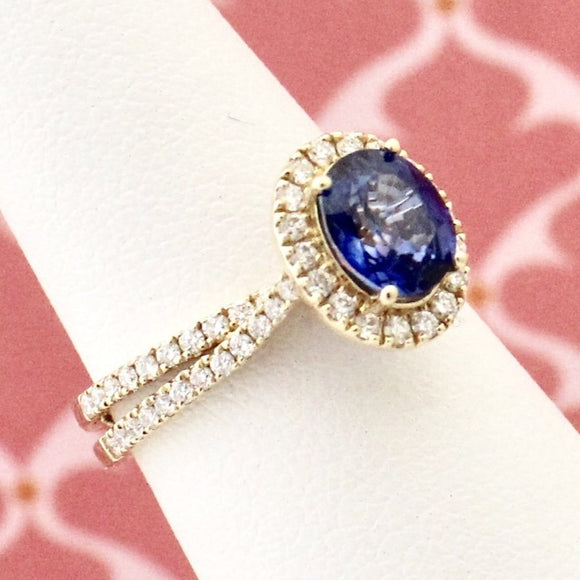 Contemporary Sapphire & Diamond Ring
