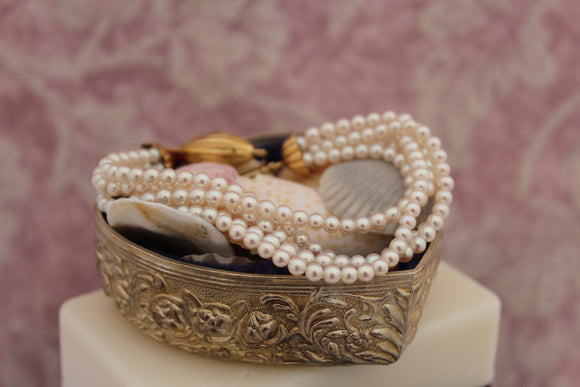 Graceful & Pretty ~ Multi strand Pearl bracelet