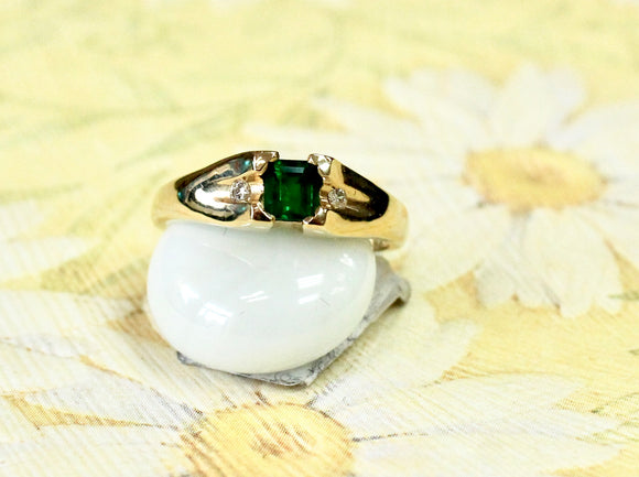 Casual ~ Emerald & Diamond Ring