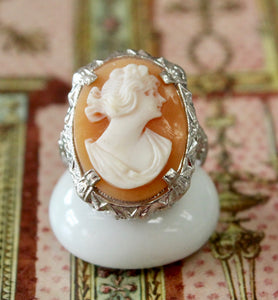 Winsome ~ Vintage Shell Cameo Ring