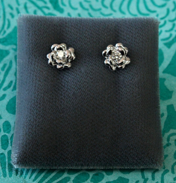 Floral motif Diamond Stud Earrings