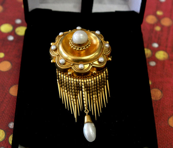 Impressive ~ Gold and Pearl Locket