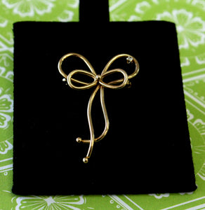 "Designer ""Van Dell"" Ribbon Pin"