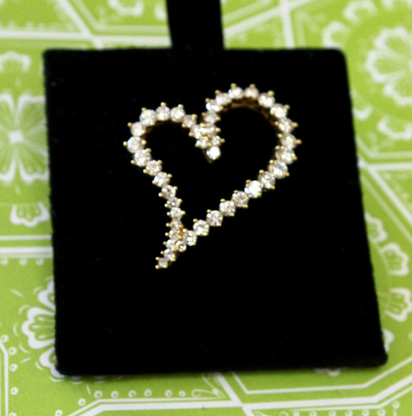 Romantic & Sweet ~ Diamond Heart Pin