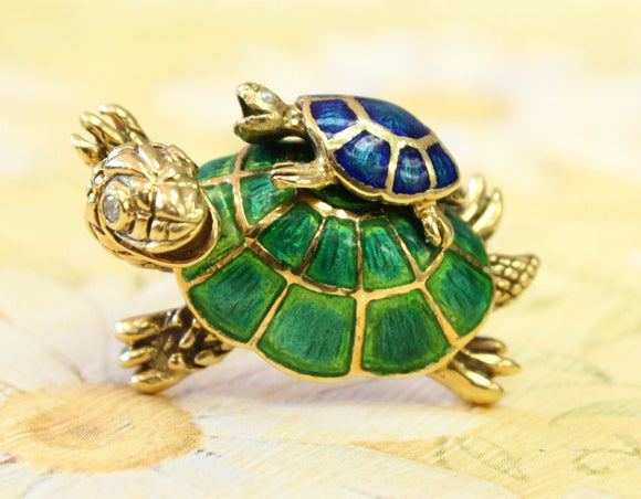 Enamel Mother and Baby Turtle Pin ~ Adorable