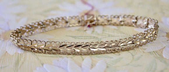 Textured & Decorative - Gold bracelet