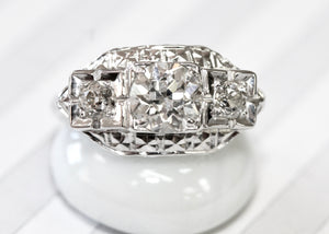 OH MY ~ Beautiful Vintage Engagement Ring