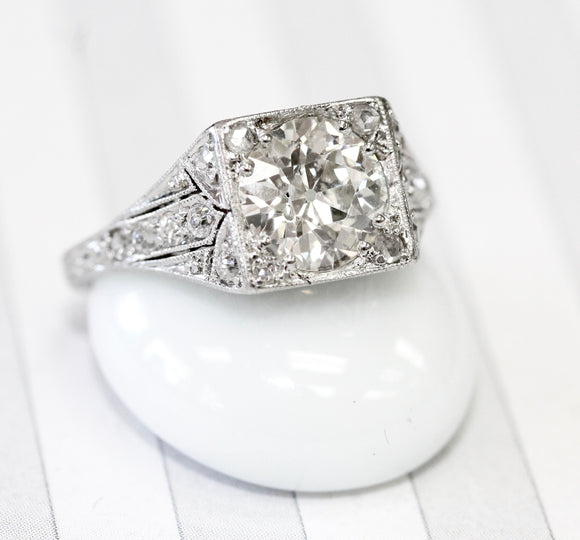 STUNNING ~ Vintage Platinum Diamond Engagement Ring