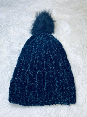 Ruggine Pom Pom Beanie - Black
