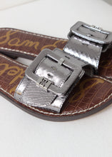 Load image into Gallery viewer, embossed snake buckle slide sandal