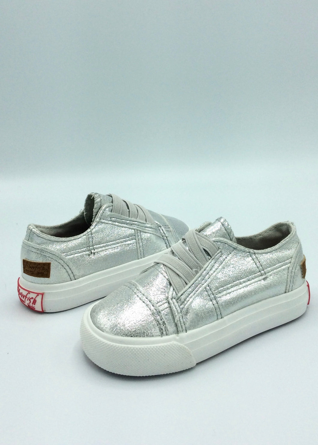 girls silver sneakers