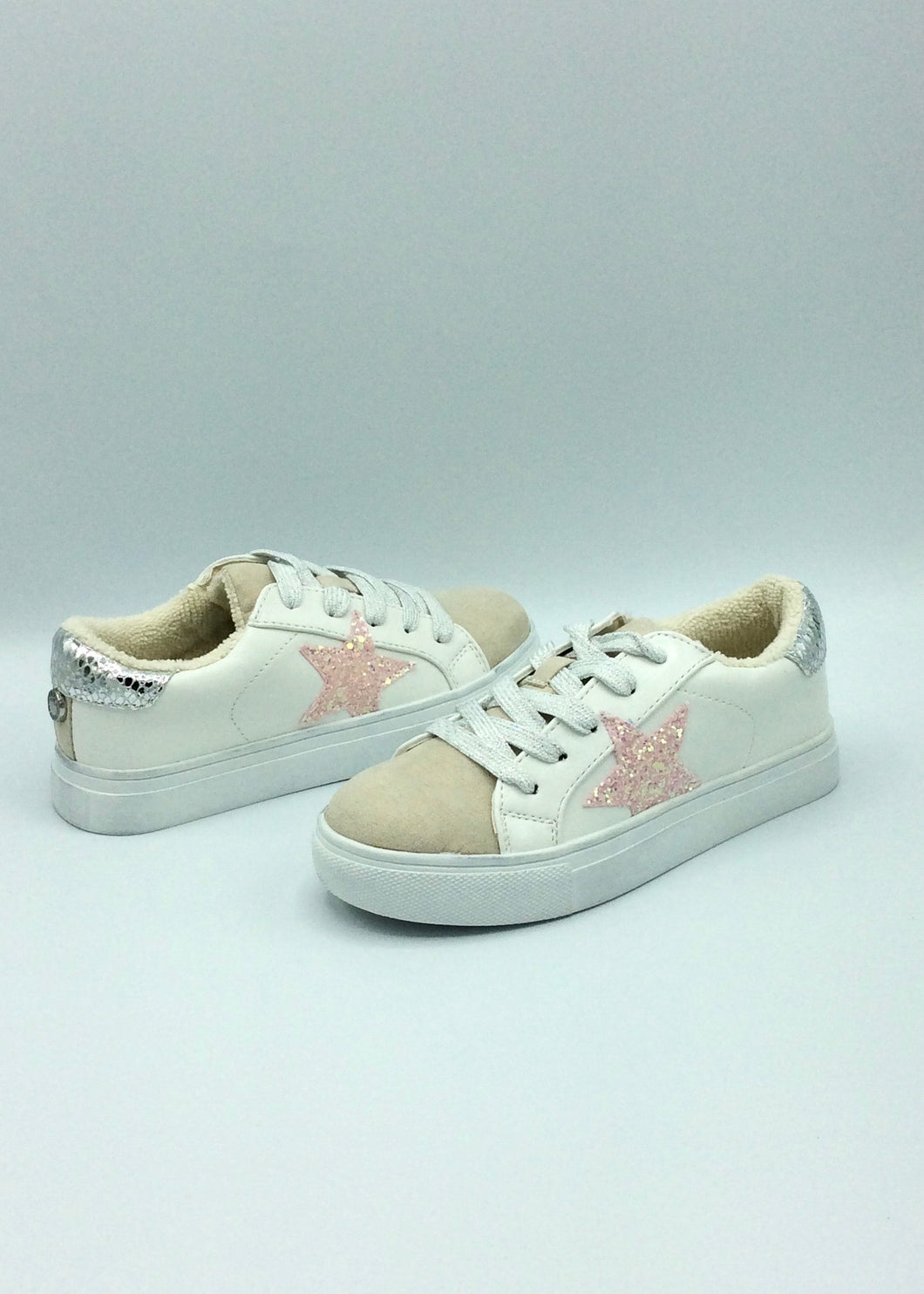 white leather girls sneaker