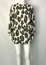 Load image into Gallery viewer, knit leopard pull over top